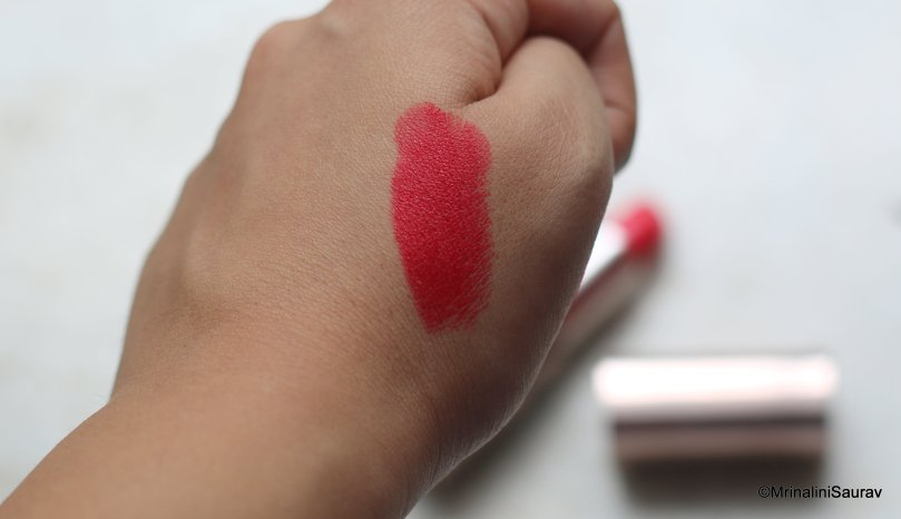 Loreal Paris Color Riche Moist Matte Lincoln Red Swatch