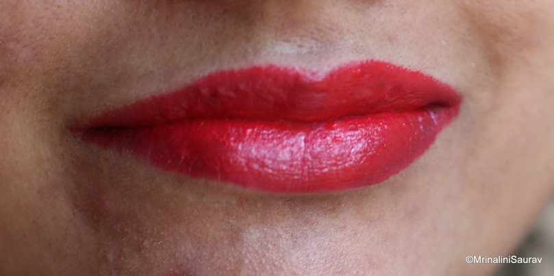 Loreal Paris Color Riche Moist Matte Lincoln Red Lip Swatch