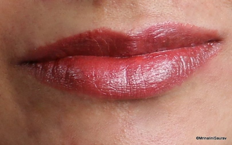 Rimmel Lasting Finish Lipstick Metallic Shimmer Lip Swatch