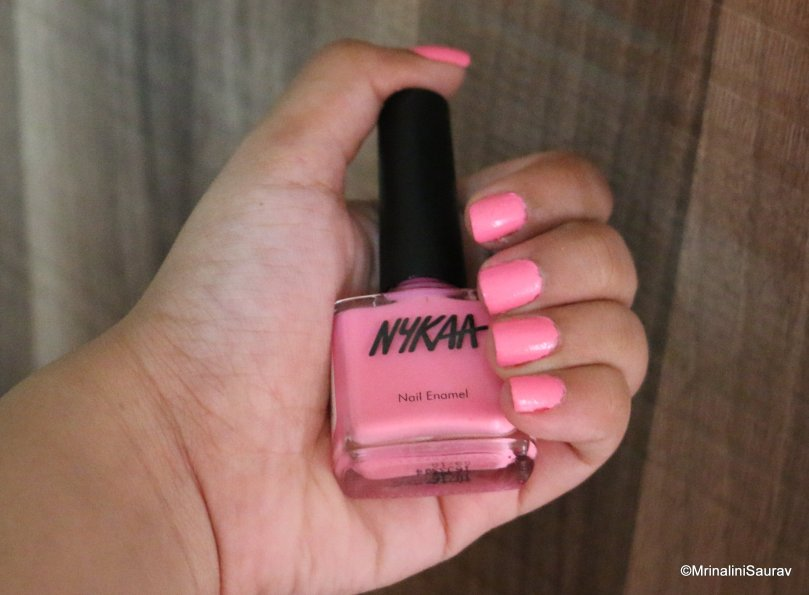 Nykaa Pastel Nail Enamel Bubble Yum Review Swatches