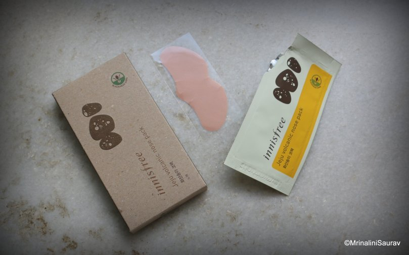 Innisfree Jeju Volcanic Nose Pack Strip Review