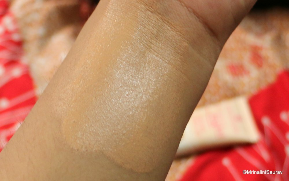 Essence All About Matt Oil Free Makeup Review Swatches