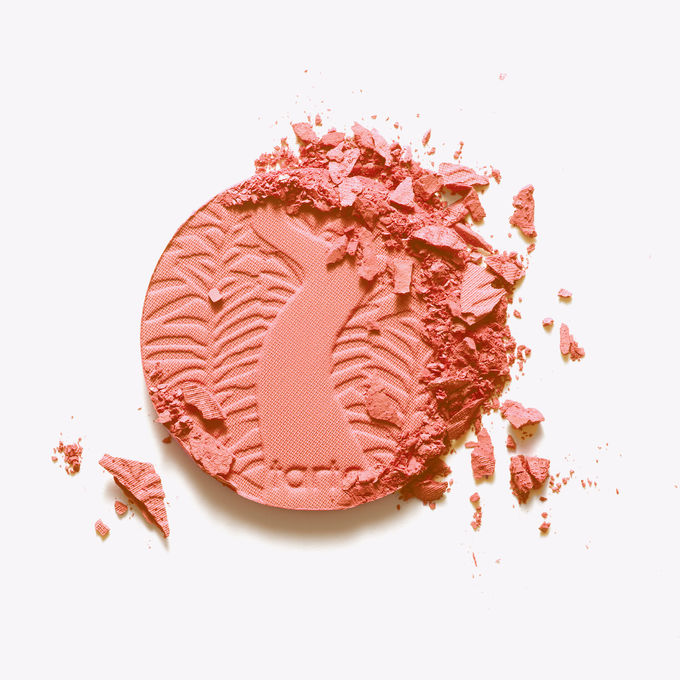 236-Amazonian-clay-12-hour-blush-captivating-bright-peach-AC_SWATCHES-1_ALT.jpg