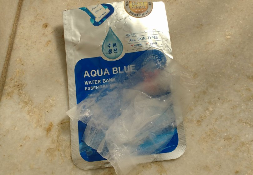Medicos - V Aqua Blue Water Bank Essential Mask | Review