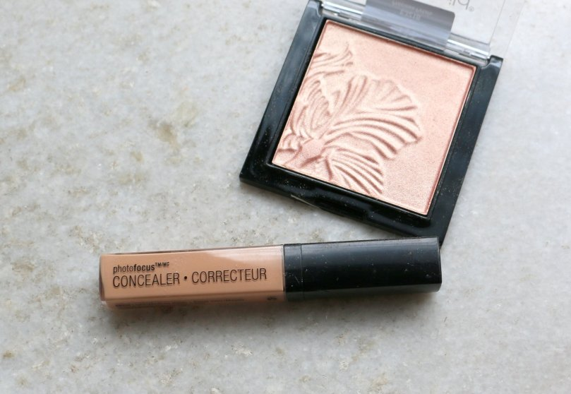 Wet n Wild Photo Focus Concealer - Light/Medium Beige | Review and Swatches