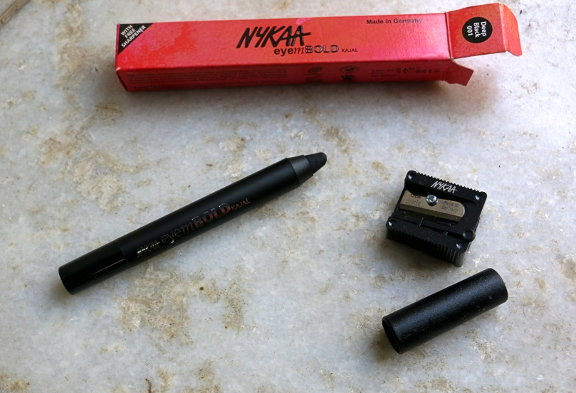 Nykaa EyemBold Kajal | Review and Swatches